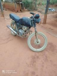 Vendo uma moto cg pra roça