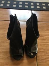 Sapato semi aberto