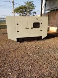 Gerador de Energia Carenado 55 kva - Motor MWM ? Semi Novo