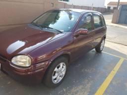 Carro Corsa 1999