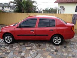 Oportunidade única. Raridade! Vendo Veículo Renault Clio 2001, de côr vermelha