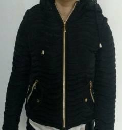Jaqueta feminina, vira colete e retira capuz