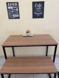 Mesa com banco