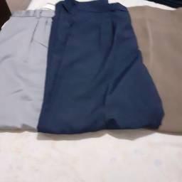 3 calças semi-novas
