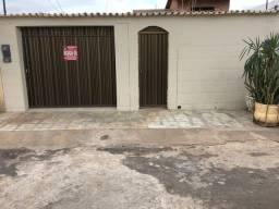 Alugo casa 03 quartos -Bairro Cohapam