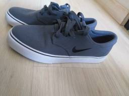 Sapato Nike SB Cinza