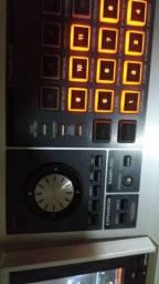 Teclado Roland famtonG8