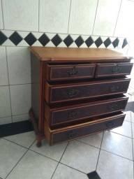 Lindíssima cômoda em madeira em excelente estado.