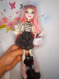 Boneca monster high Rochelle goylle