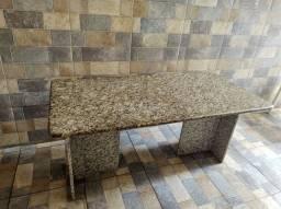 Mesa retangular em Granito, 1,60 m.x0,80m. Arabesco cinza