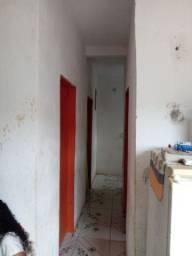 Vendo casa de dois pisos