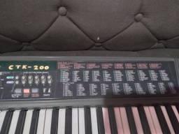 Teclado casio CTK-200