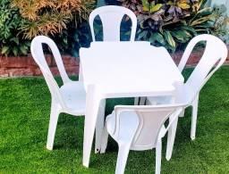 Jogos mesas e cadeiras de plastico R$ 8,00 Aluguel