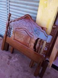 Mesa rústica de madeira ipê
