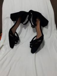 Salto + vestido branco longo