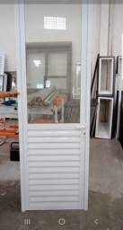 Porta de alumínio branca