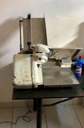 Fatiadora de frios Filizola Automática