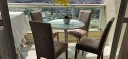Quatro Cadeiras em Madeira