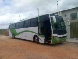 Vendo ônibus 2001
