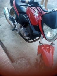 Honda CB 300 2011.