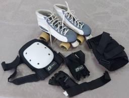 Título do anúncio: vendo patins de bota