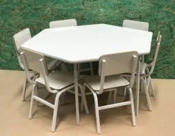Mesa e 06 Cadeiras Na Cor Branca (Infantil)  - R$ 862,00