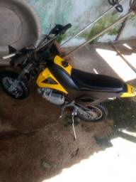 Vendo mini moto cross 50cc suporta até 90kg