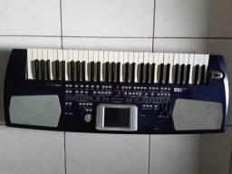 Teclado Korg PA500