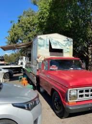 Vende-se esse caminhão  modelo  f4000. Aceita troca em caminhão 3/4