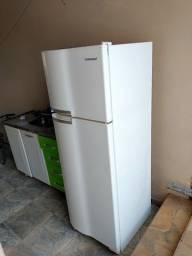 Vendo geladeira continental Copacabana rdv37 341 litros!!!