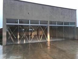 Aluga-se imóvel recém construido para fins comerciais com 140m2