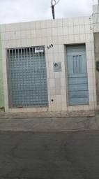Casa no Bairro Pirajá. Com Ponto de Comércio.