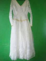 lindo vestido de noiva usado uma vez