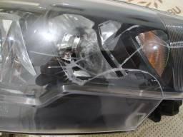 Farol Direito Fiat Argo 2020 (Lâmpadas intactas)