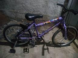 Bicicleta feminina semi nova,,só pegar e andar,,zap *