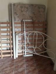 Cama casal de ferro com colchão