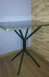 Mesa de pedra de granito