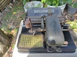 Maquina de escrever alemã Mignon (com mais de 100 anos)