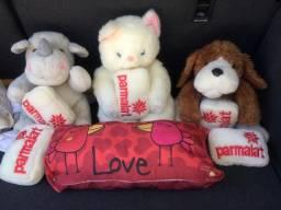 3 Ursos de Pelúcia + Travesseiro