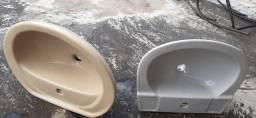 Pias de banheiro louça