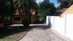Duas Casas, uma com três quartos e outra com um quarto no bairro Teresópolis/Nonoai