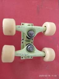 Truck de skate com rodas de silicone