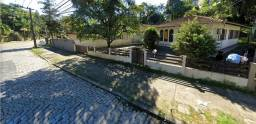 Excelente casa em rua comercial/residencial no Bairro Floresta, com 16 metros de frente !