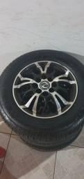 Vendo rodas com pneus 175.70.13 zero sem detalhes