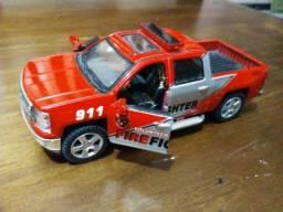 Kinsmart e Welly - Miniaturas carros - lote - 03 unidades - ler descricao