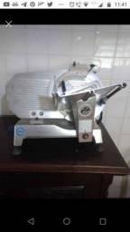 Vendo Máquina de cortar frios profissional