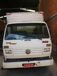 Caminhão baú  VW 7-100 turbinado
