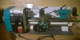 Mini torno 180mm x 300mm funcionando, usado.