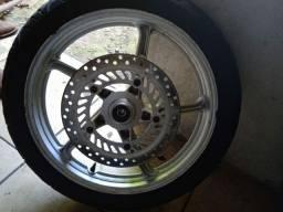 Vendo par de rodas Twister 2008  Com pneus bom ...Já com disco ...relação tbm