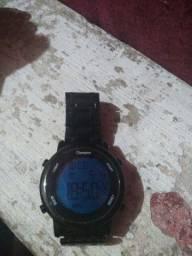 Vende-se relógio pouco usado